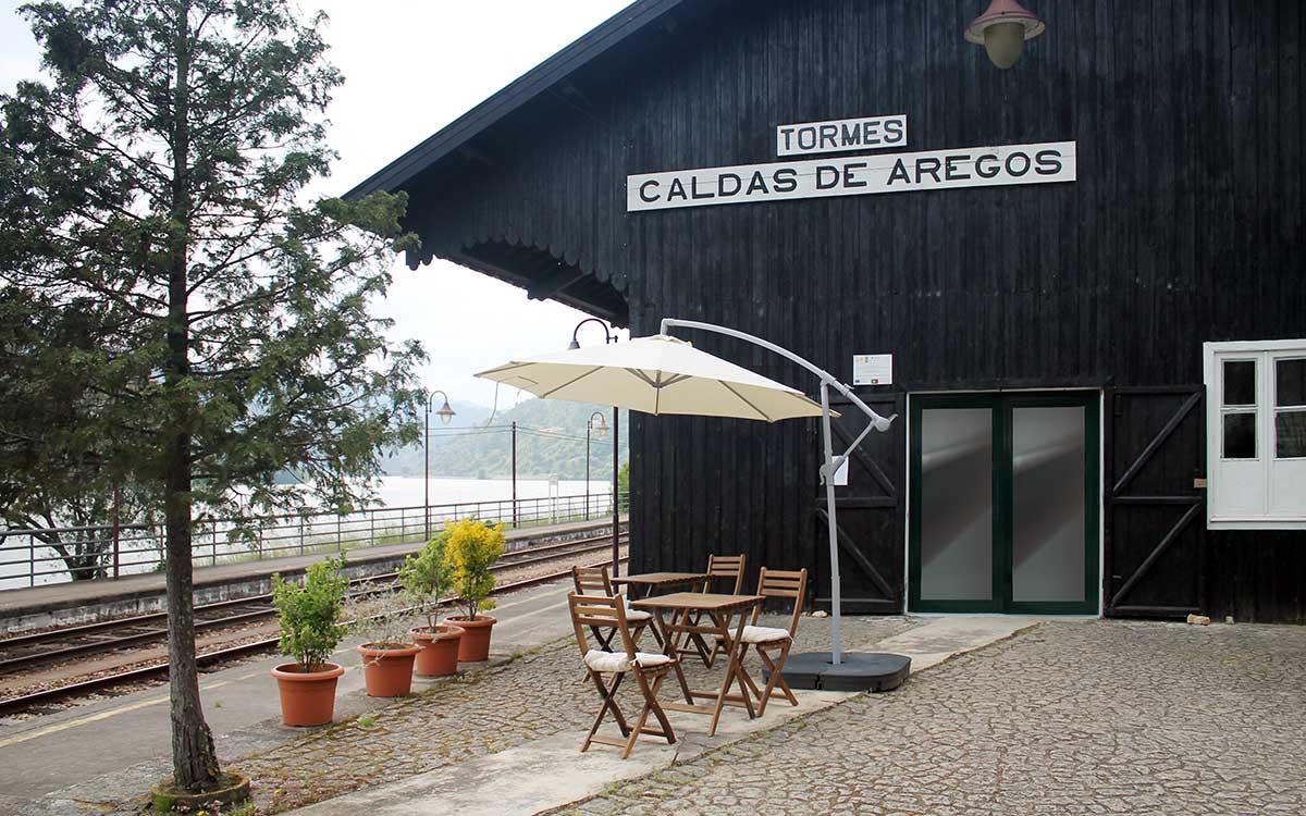 """Cais - Sede da ADR """"Os Caminhos de Jacinto"""" (exterior)"""
